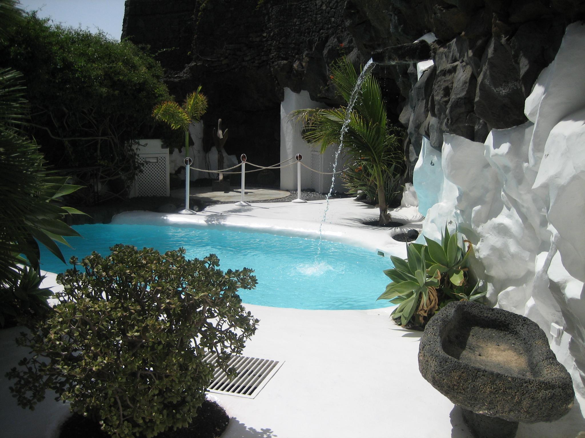 Lanzarote stop me mark ronson a la luna se le ve el - Lanzarote casa de cesar manrique ...